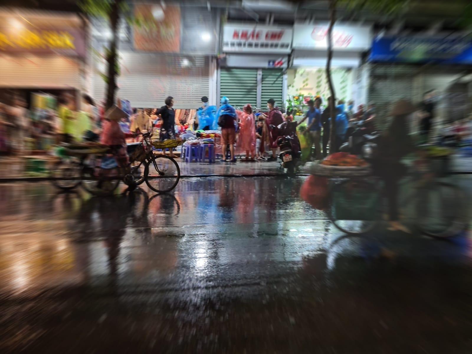 האנוי בגשם