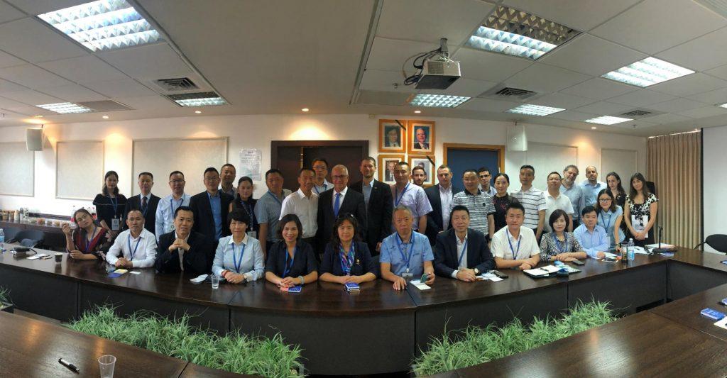 בתמונה: משלחת איגוד לשכות המסחר של תעשיות המכשור הרפואי בסיצ'ואן