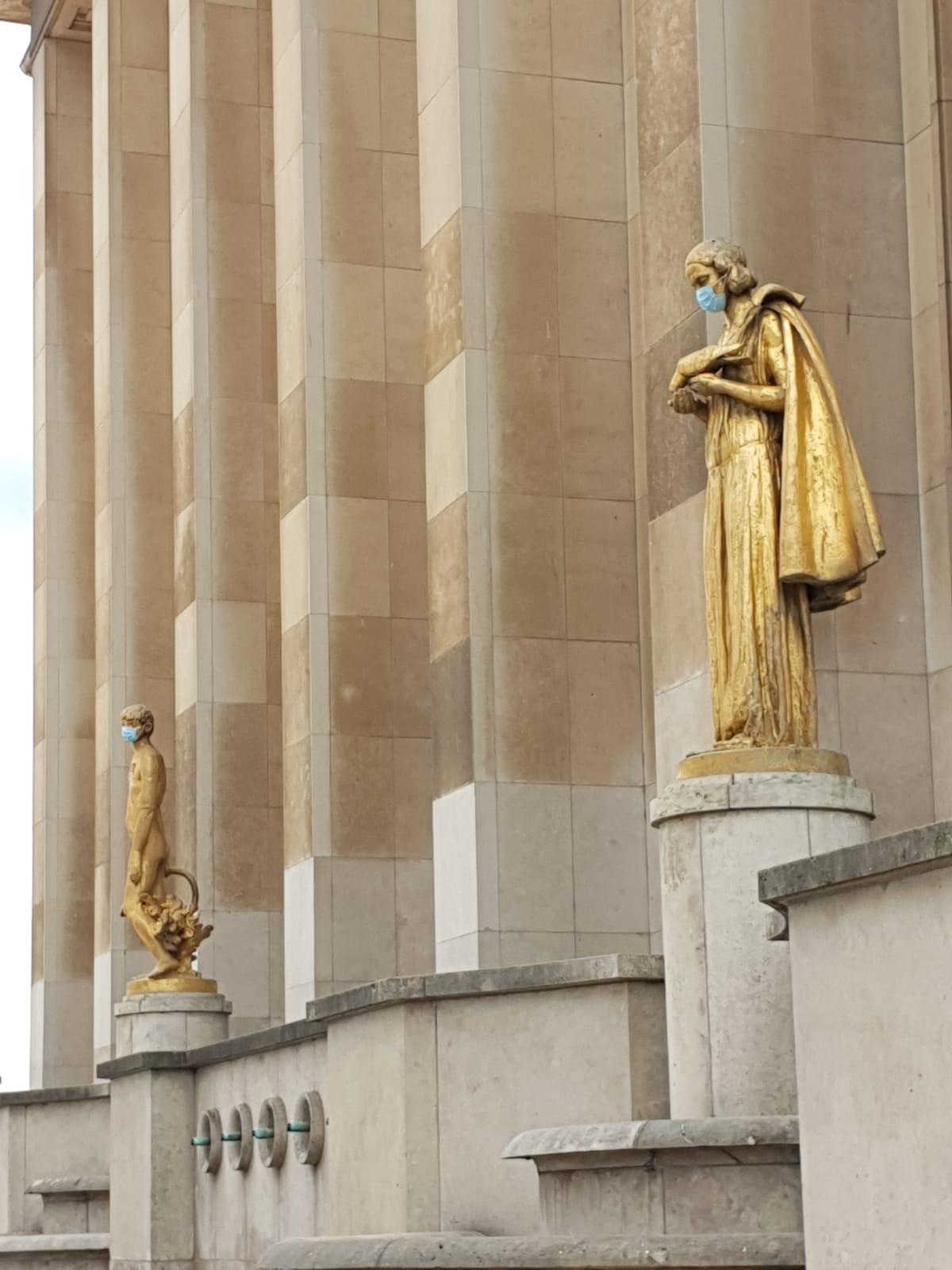 כיכר טרוקדרו בפריז, השבוע