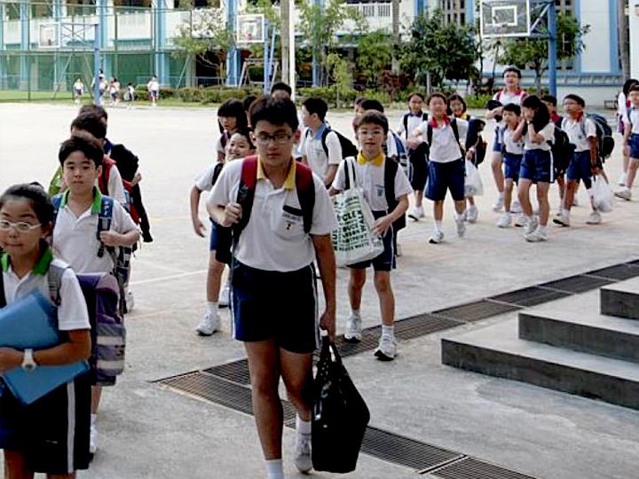 תלמידים בסינגפור: קודם כל הון אנושי