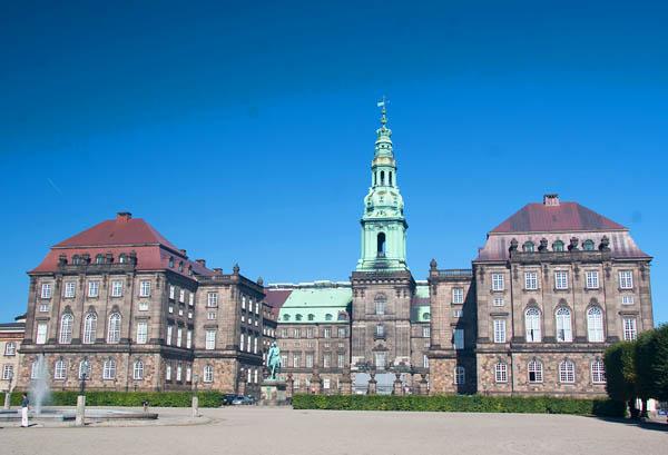 הפרלמנט הדני - מקום ראשון באי-שחיתות שלטונית