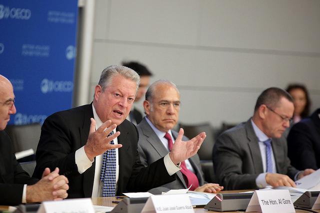 אל גור ואנחל גורייה בכנס GIFF. קרדיט: OECD