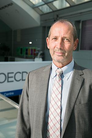 קן אש, ראש אגף סחר וחקלאות ב-OECD