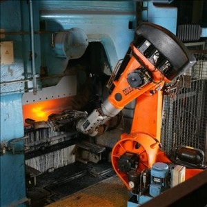 "Automation of foundry with robot"" by KUKA Roboter GmbH, Bachmann - KUKA Roboter GmbH, Zugspitzstraße 140, D-86165 Augsburg, Germany, Dep. Marketing, Mr. Andreas Bauer, http://www.kuka-robotics.com. Licensed under Public domain via Wikimedia Commons"