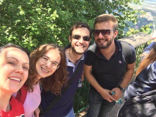 צוות נספחות ברומניה