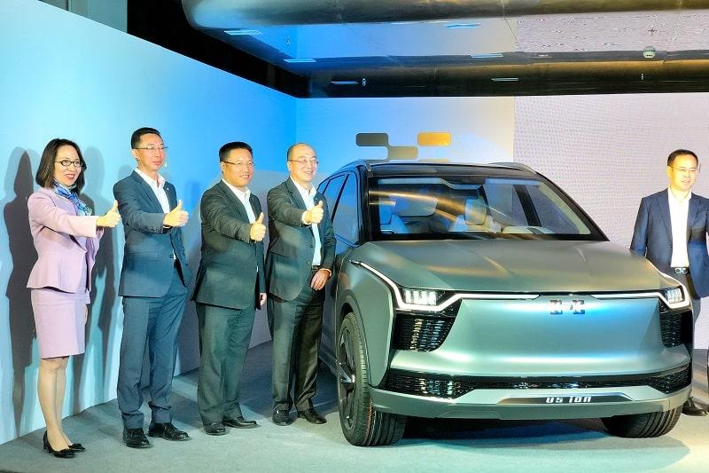 הנהלת חברת AIways בהשקת דגם הSUV החשמלי שלה החודש בשנגחאי. החברה מתכננת להתחיל את הייצור ב2019