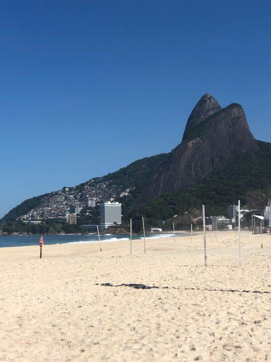 חוף איפנמה ריק ממבקרים, ריו דה ז'נרו, ברזיל